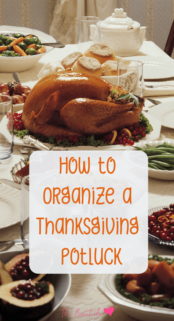 How to organize a Thanksgiving potluck and save on your Thanksgiving turkey. Your Thanksgiving dinner doesn't have to be difficult! Try these money-saving thanksgiving ideas #thanksgiving